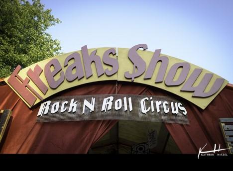 001 Freaks Show 0001