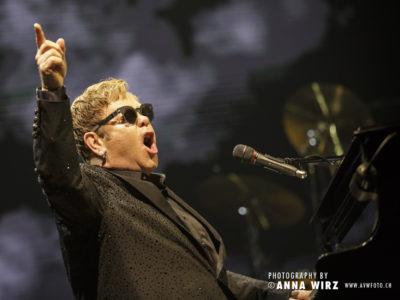Elton John 2016-12-08